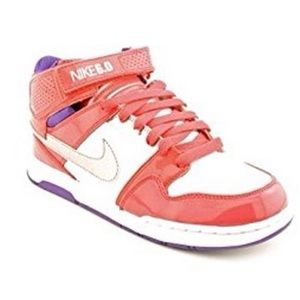 Nike Morgan Mid Jr 2011 fits size 8 women